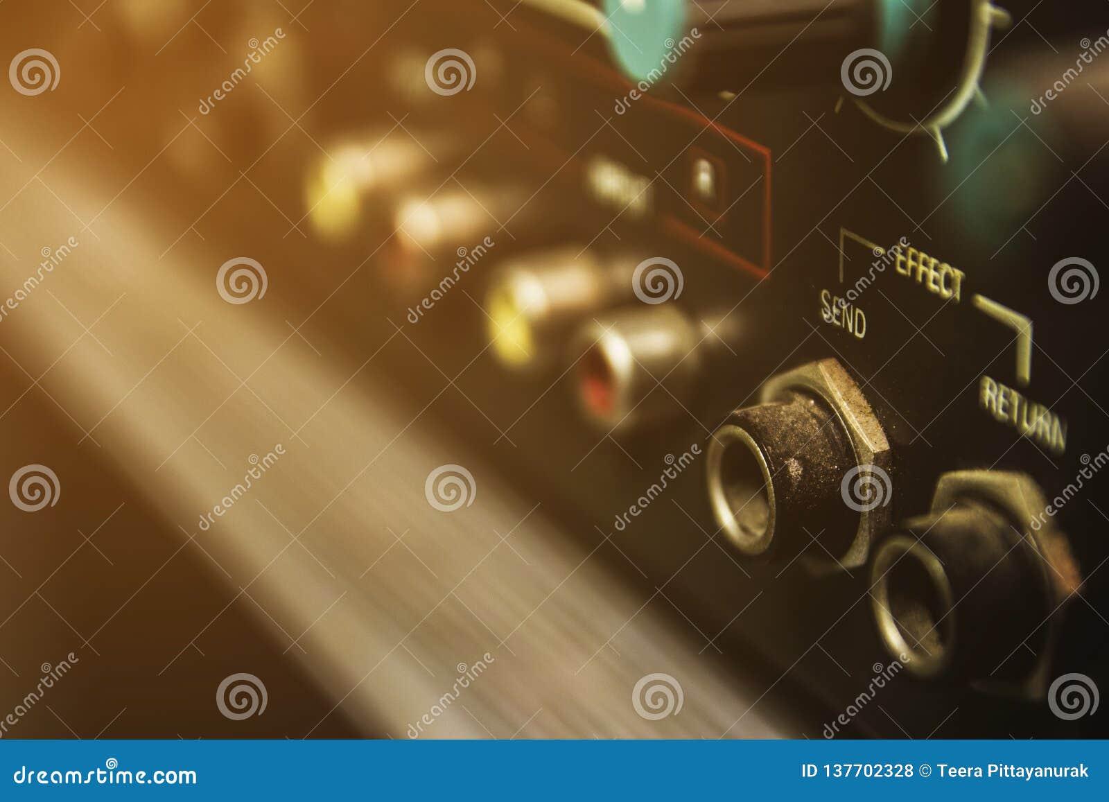 Conectores no misturador audio