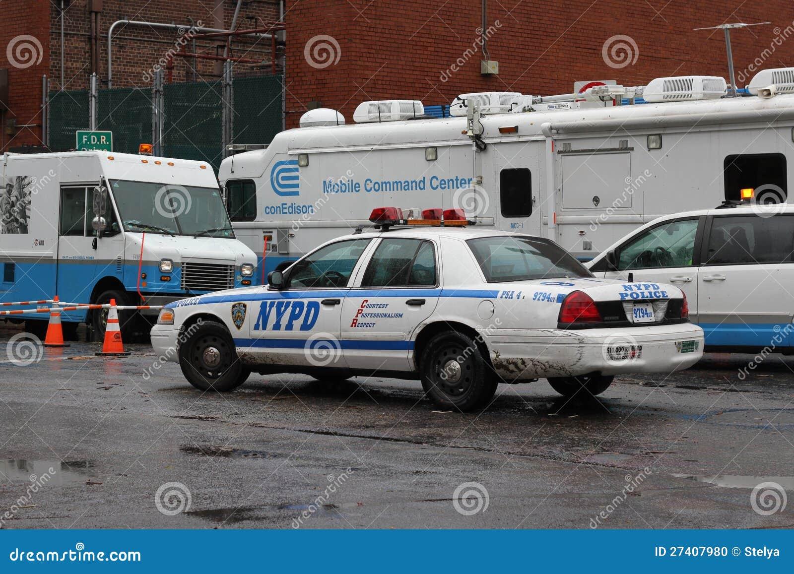 ConEdison trasporta il rivestimento su autocarro NYC dopo l uragano