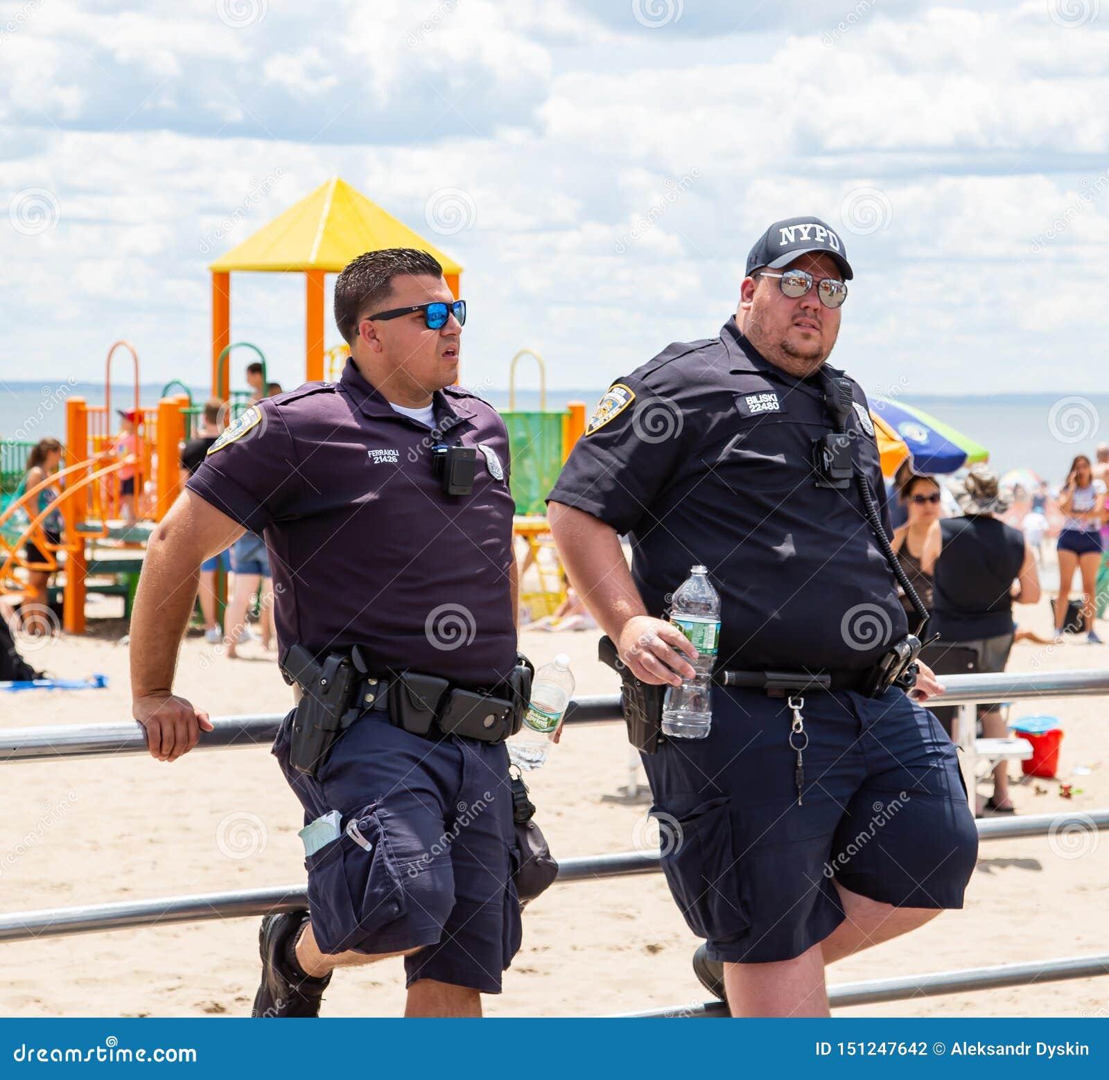Coney Island, Brooklyn, Nowy Jork, Czerwiec 22, 2019: Roczna syrenki parada