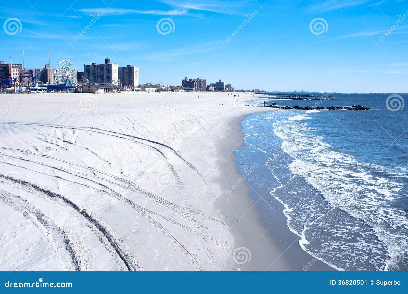 coney island strand brooklyn new york city stockbild bild von l ufer sommerzeit 36820501. Black Bedroom Furniture Sets. Home Design Ideas
