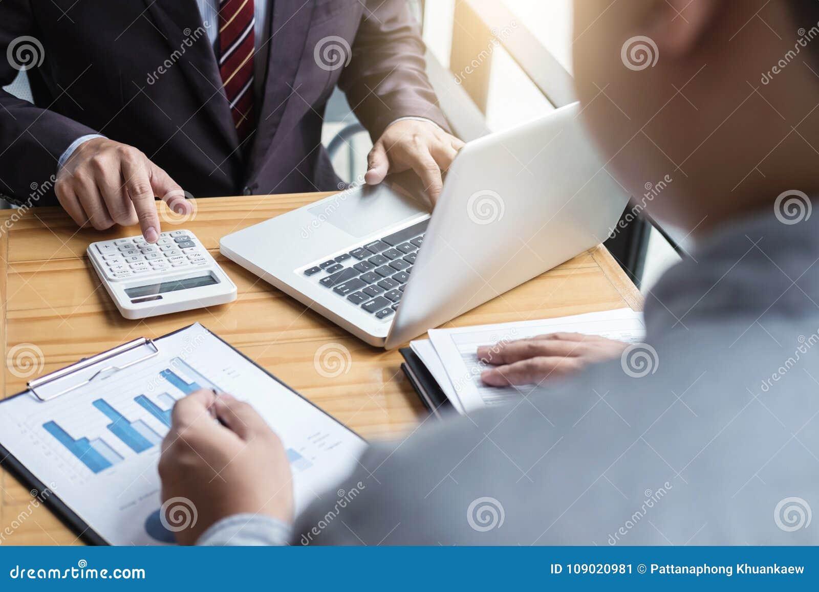 Conferência de funcionamento do Co, equipe do negócio que encontra o presente, acionista c