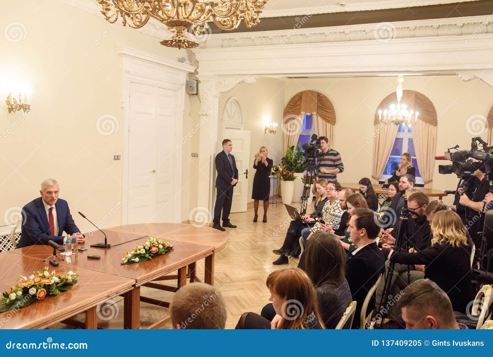 Conferfence da imprensa do primeiro ministro novo de Letónia, Arturs Krisjanis Karins