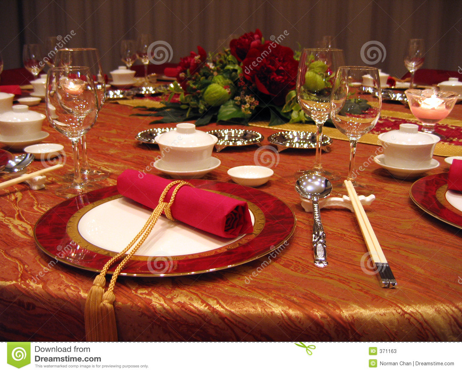 Configuration de table de banquet de mariage