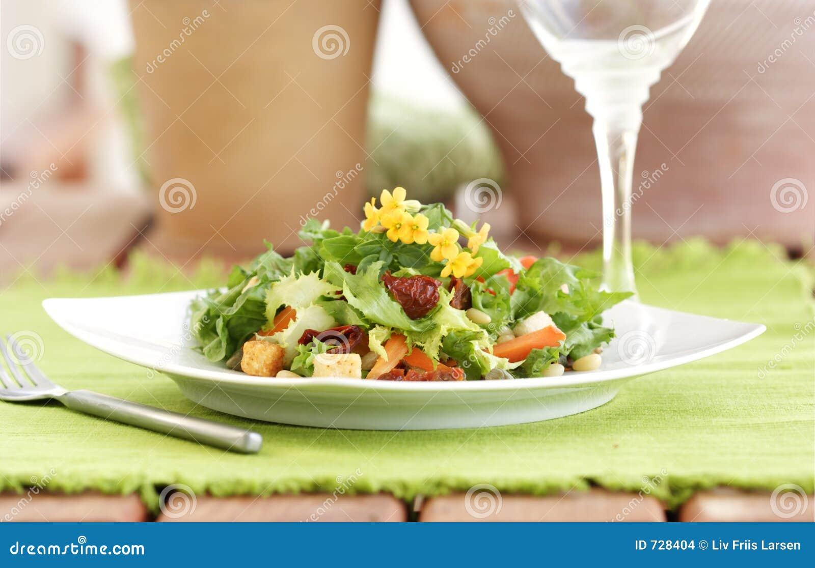 Configuration de table de salade d été