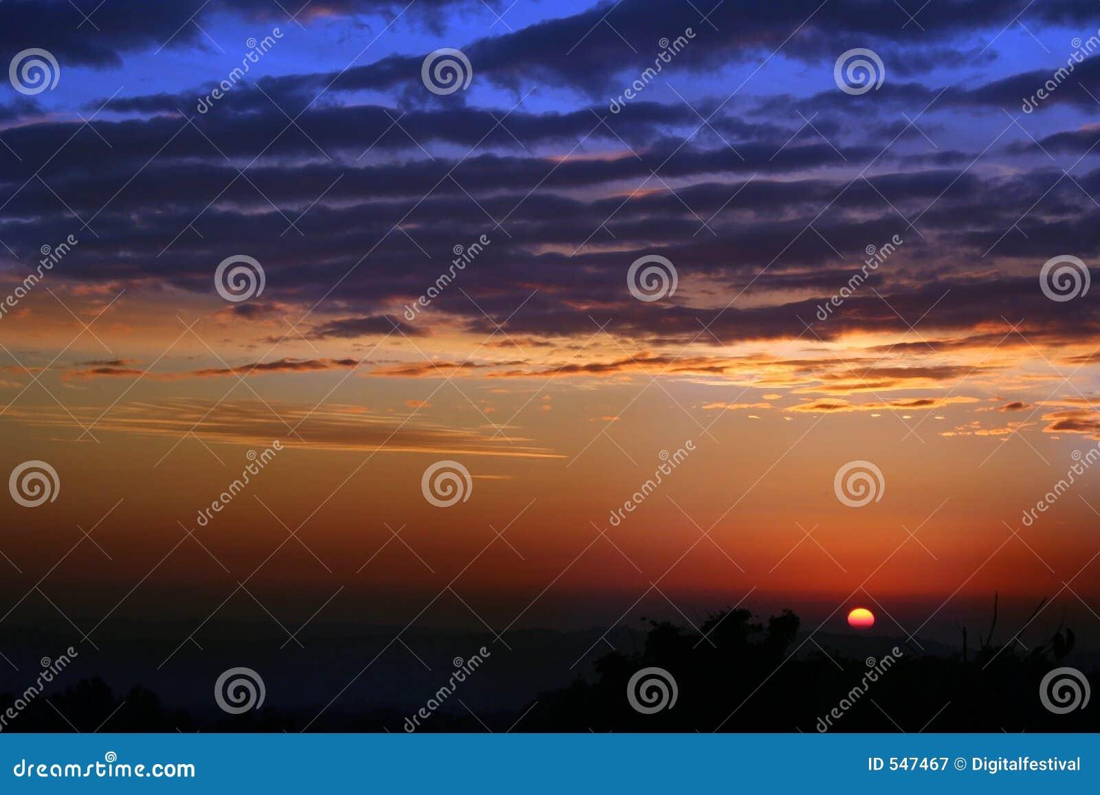 Configurations de coucher du soleil de l hiver de Himachal et tonalités, Inde