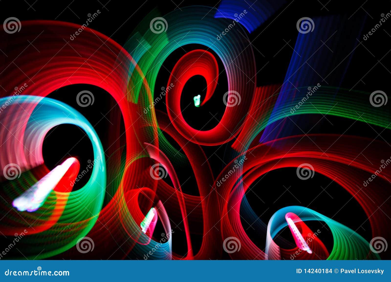 Configurations lumineuses sous la forme des spirales