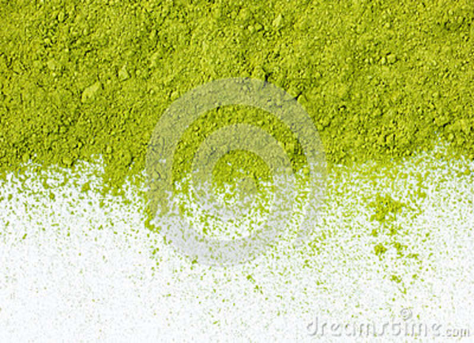 Confine della fine in polvere di punto di vista superiore del tè verde su
