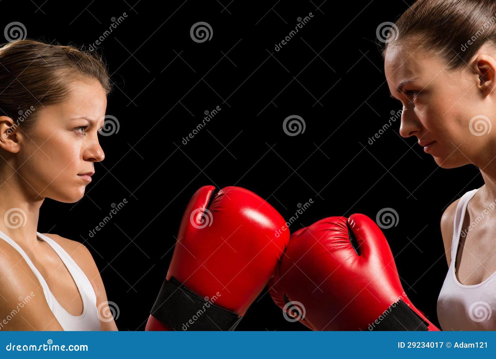 Download Confrontação Entre Os Dois Pugilistas Das Mulheres Imagem de Stock - Imagem de bonito, boxer: 29234017