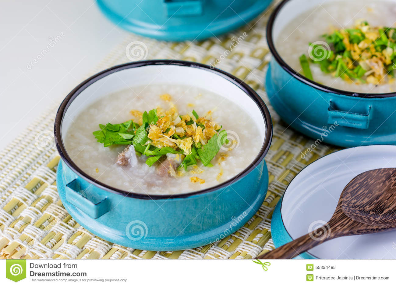 Congee del riso misto con carne