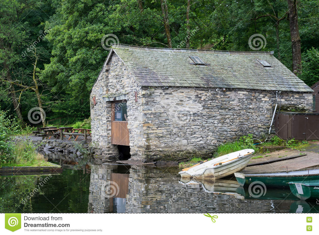 CONISTON WATER, MEER DISTRICT/ENGLAND - 21 AUGUSTUS: Oude Boathous