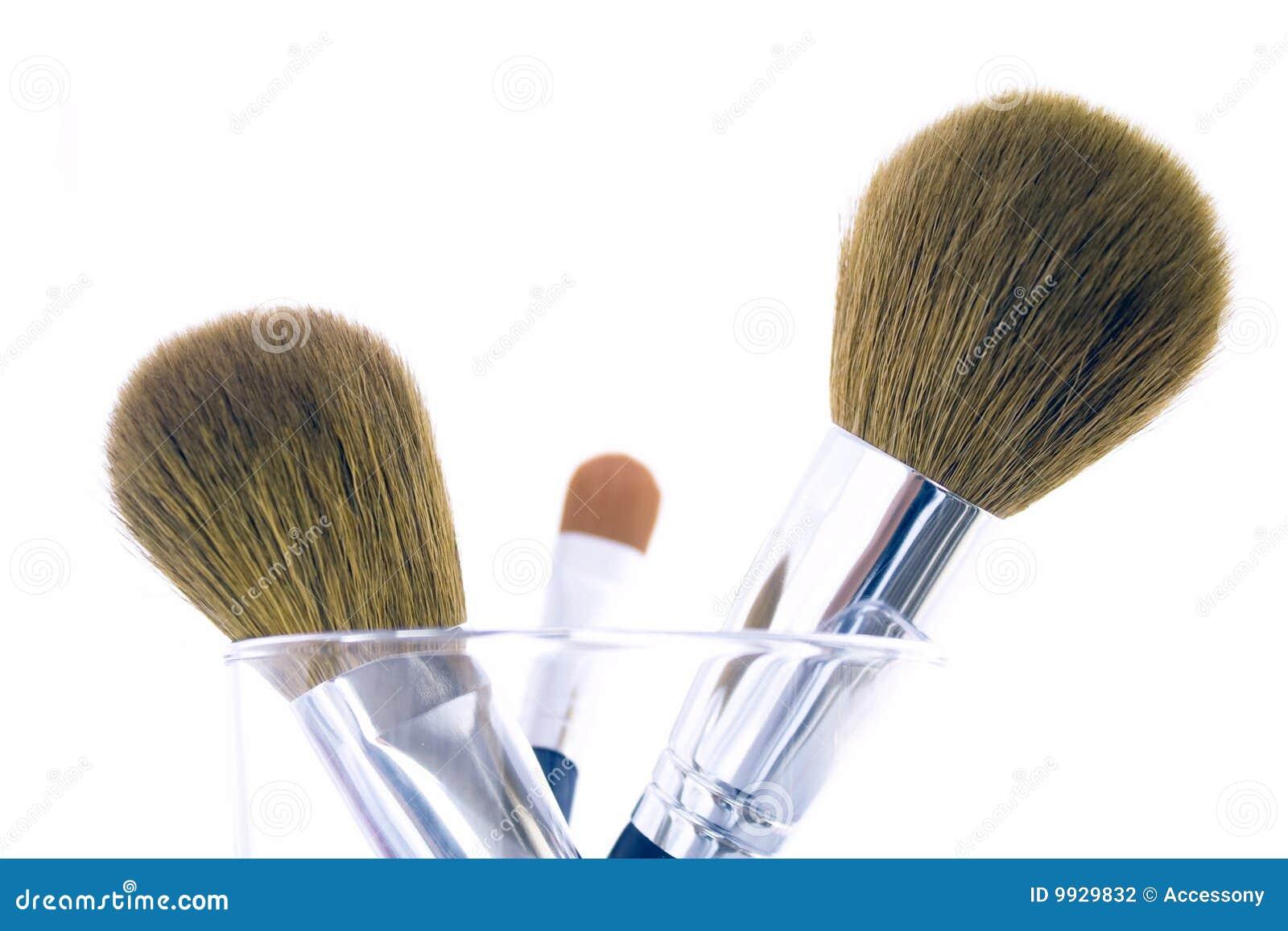 Conjunto de tres cepillos del maquillaje
