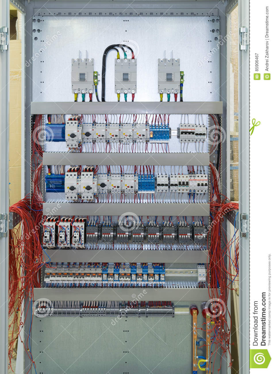 Connecting Cables With Cable Lugs To Circuit Breakers In The ...