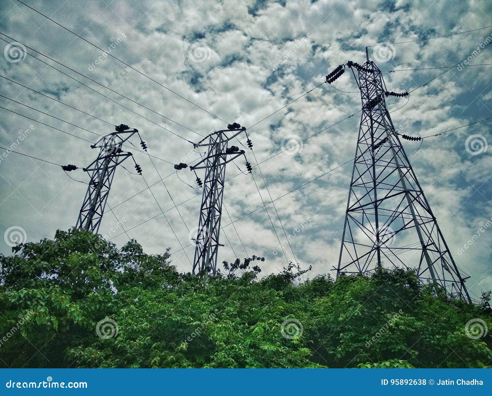 Connettività della torre di Live Wire Electricity