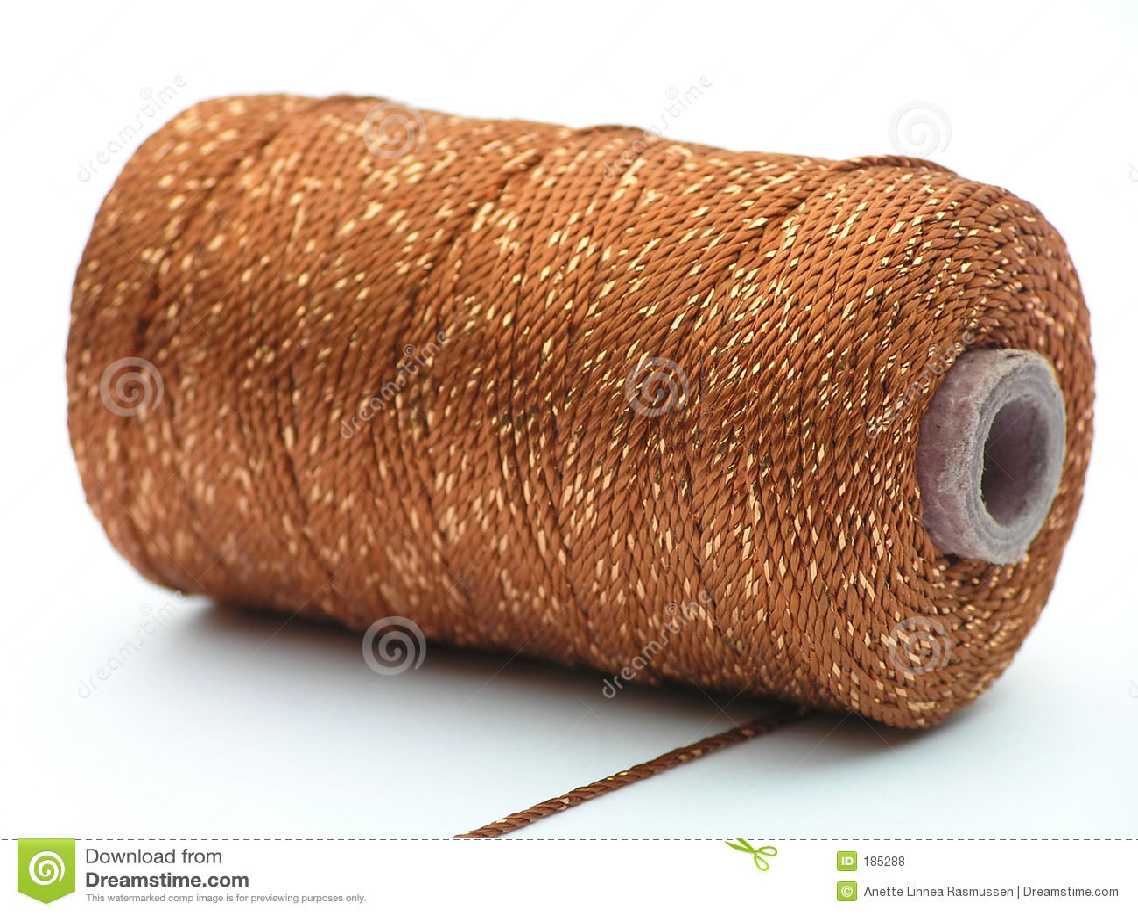 Cono con la cuerda de rosca de oro