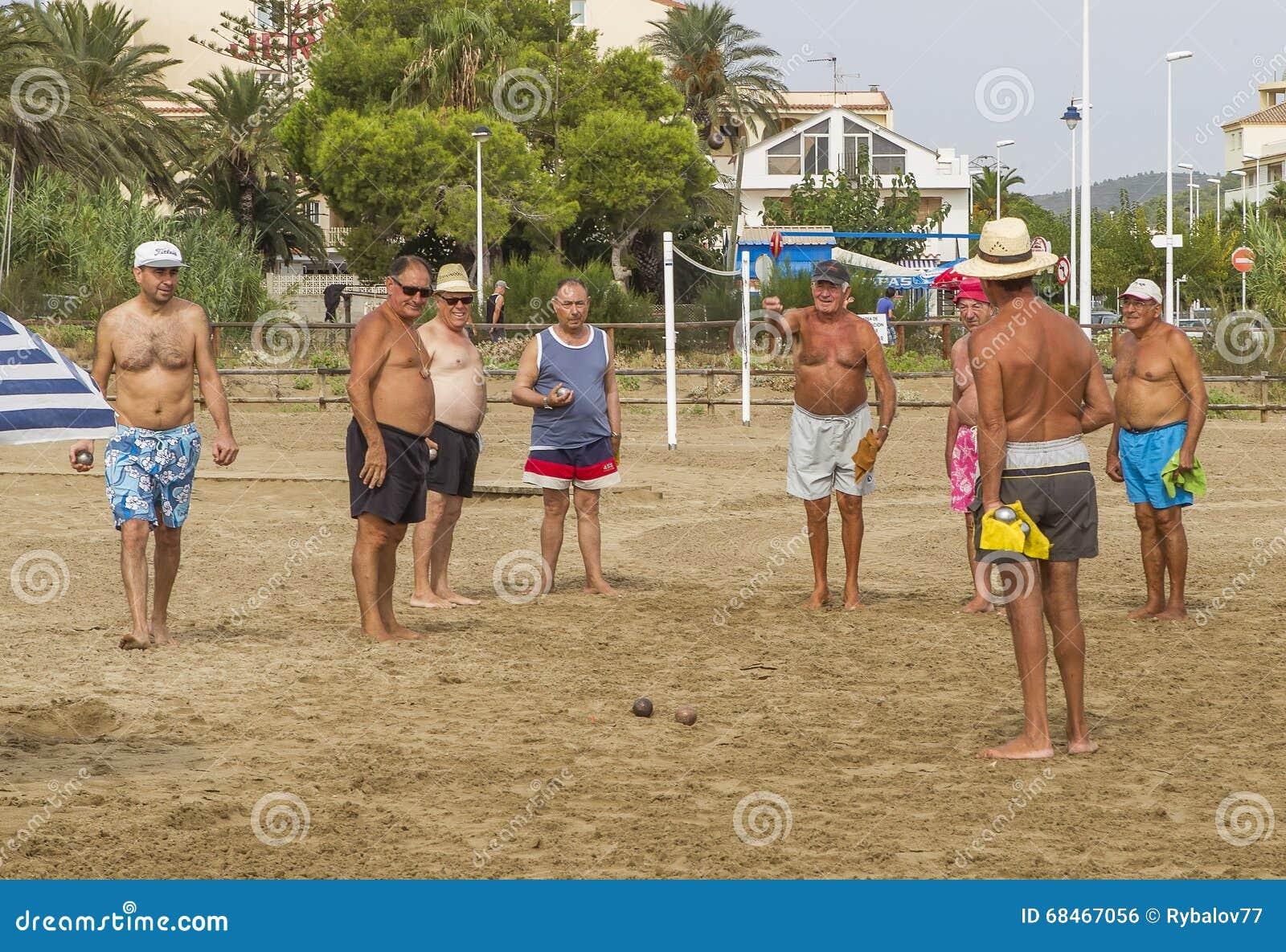 A conquista do bocce não-classificado dos jogos entre famílias Alcossebre