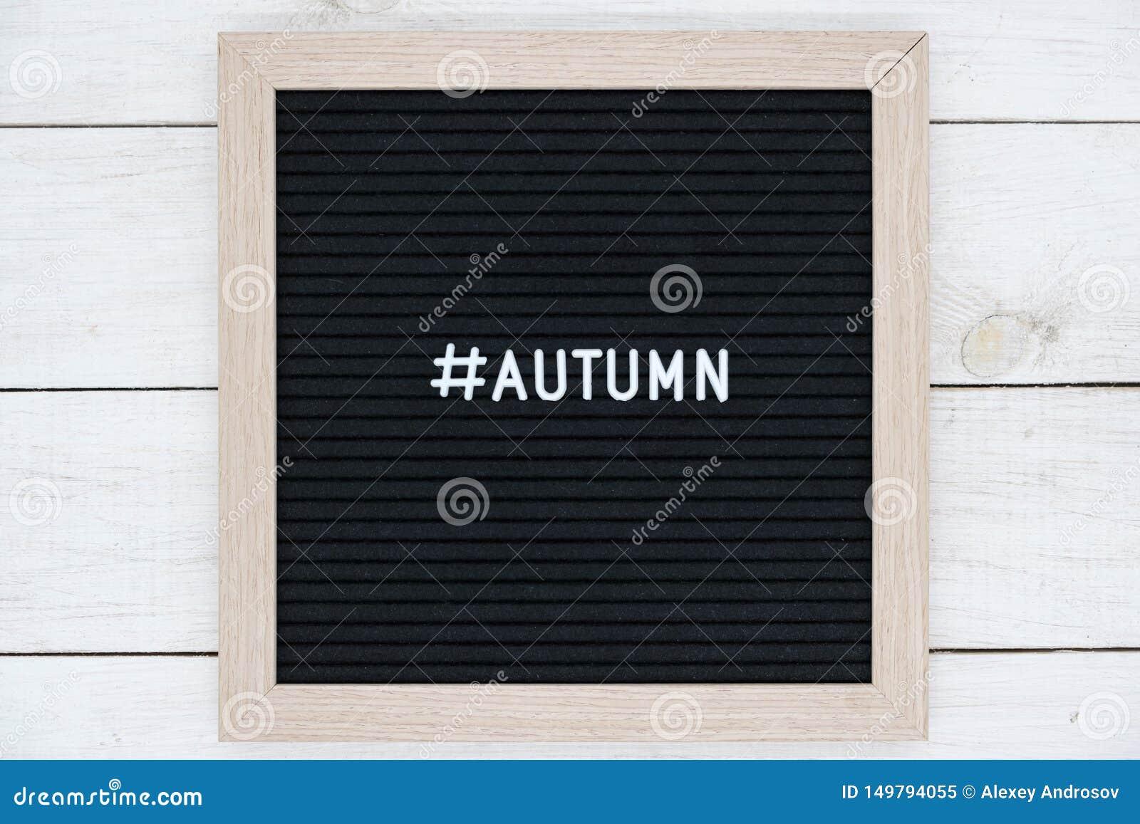 Conseil senti noir avec l autumnn de hashtag et de mot