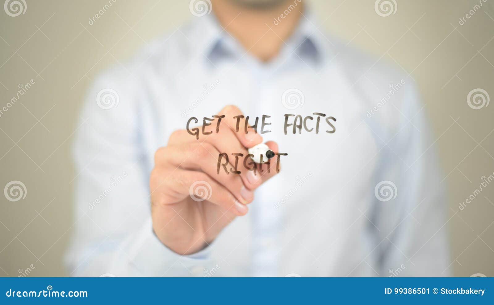 Consiga los hechos correctos, escritura del hombre en la pantalla transparente