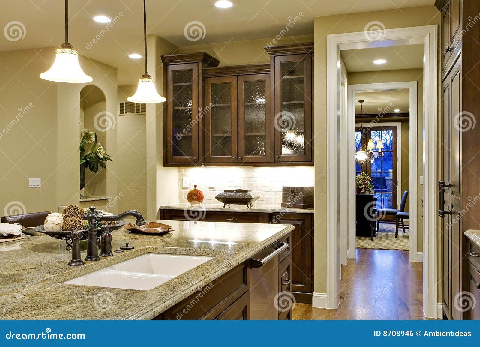 de Stock Royalty Free: Console e opinião de cozinha à sala de jantar #1E47AD 1300x957