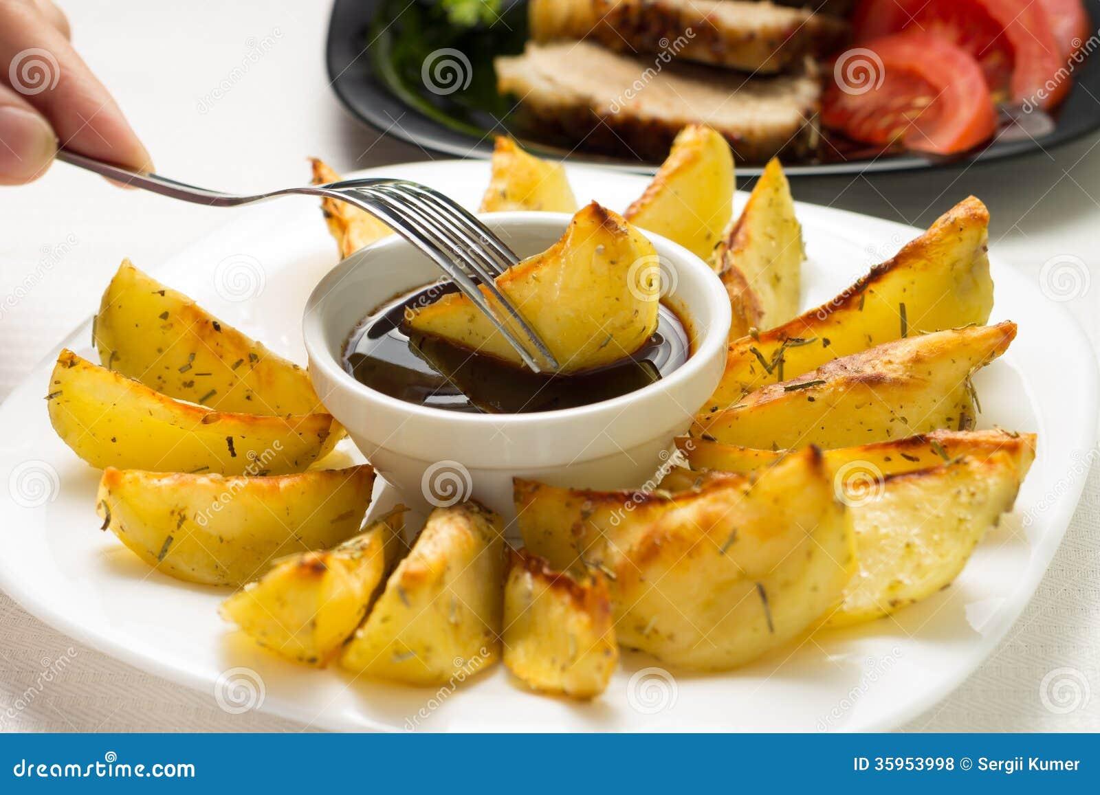 Consommation de Fried Wedge Potato