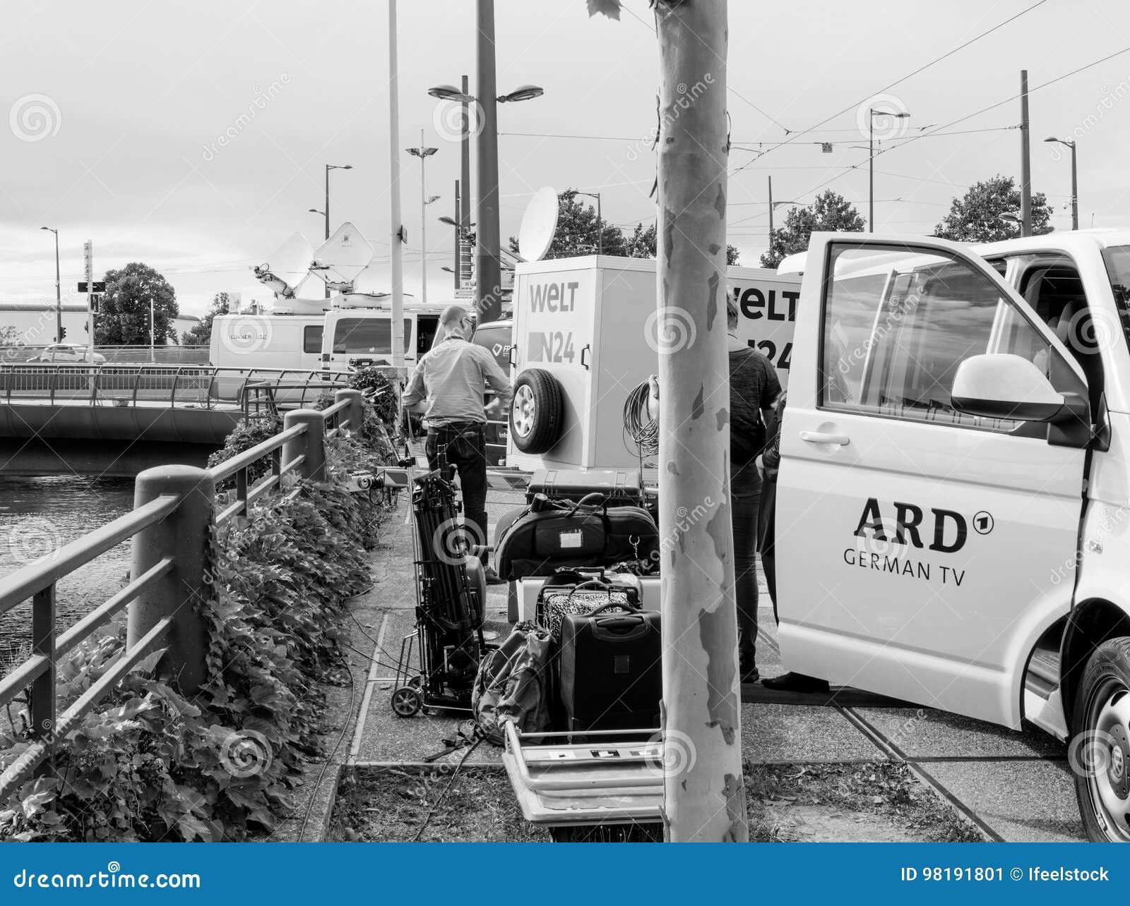 Consorzio delle emittenti pubbliche in camion della Germania ARD alla e in tensione