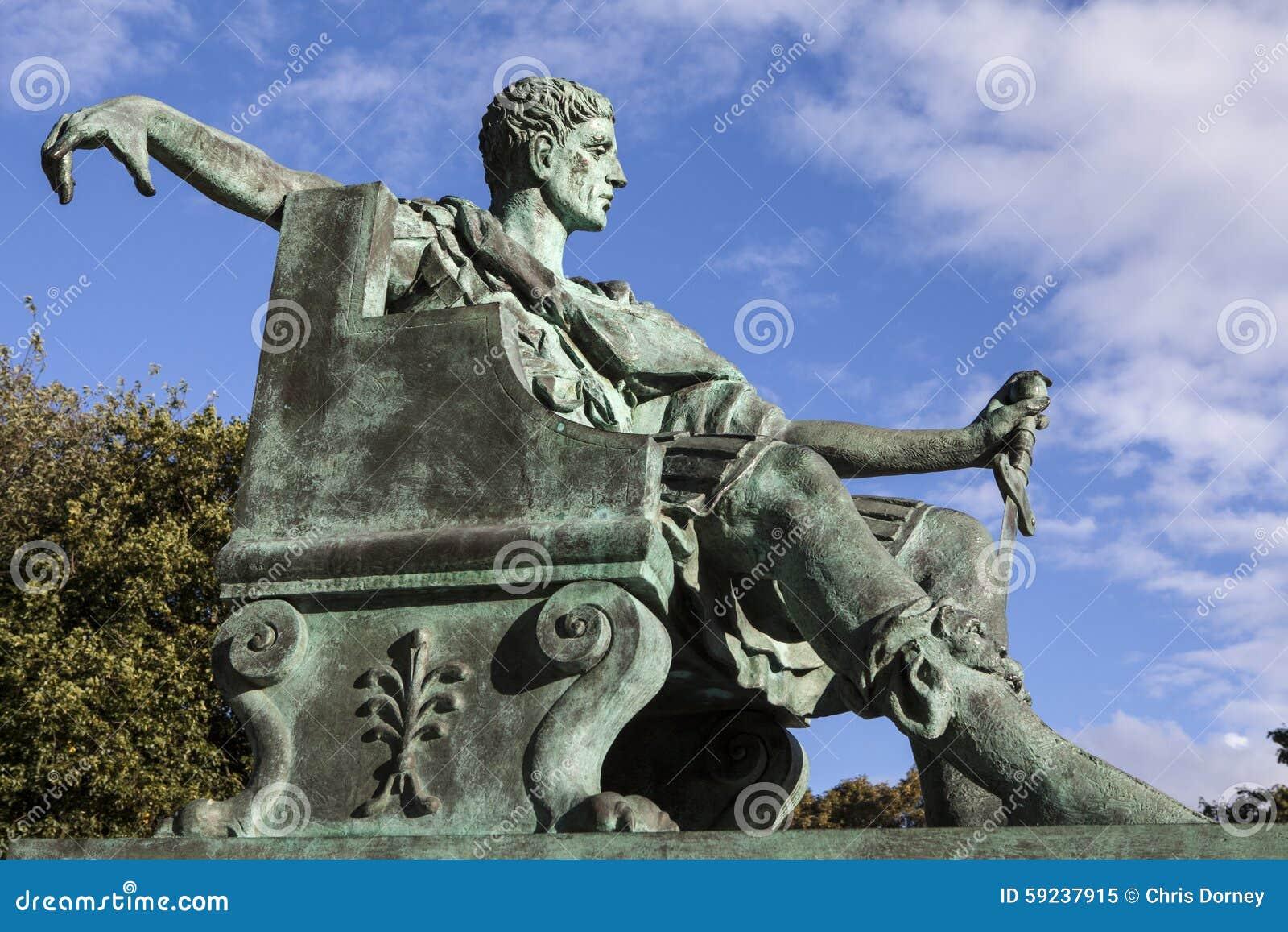Constantina la gran estatua en York