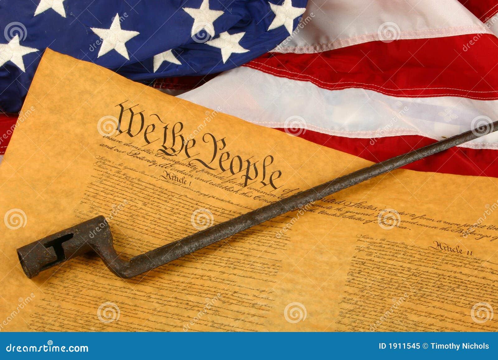 Constituição de Estados Unidos, baioneta, e bandeira