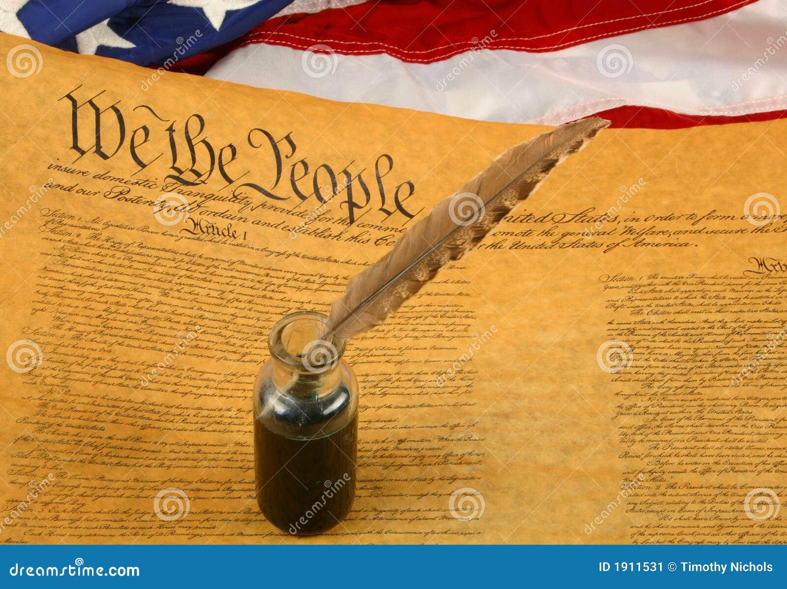 Constituição de Estados Unidos, pena de Quill no Inkwell, e bandeira