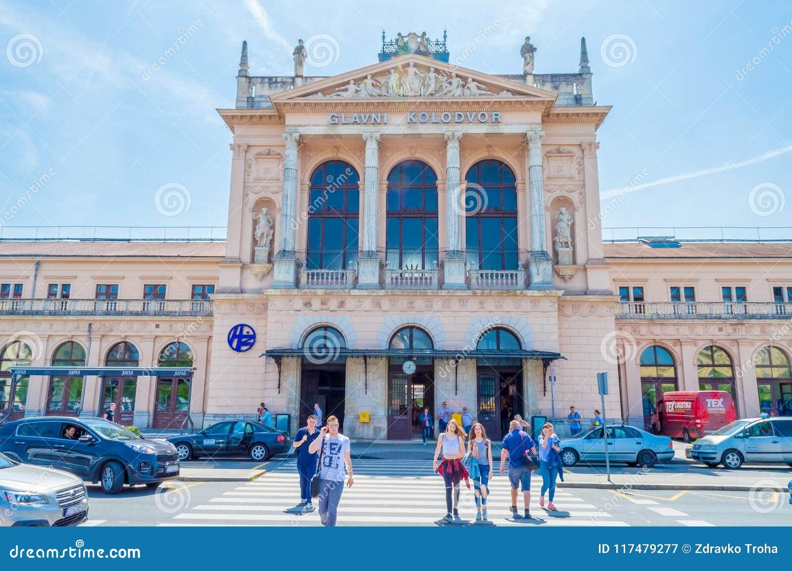 Construção da estação de trem central em Zagreb, Croácia