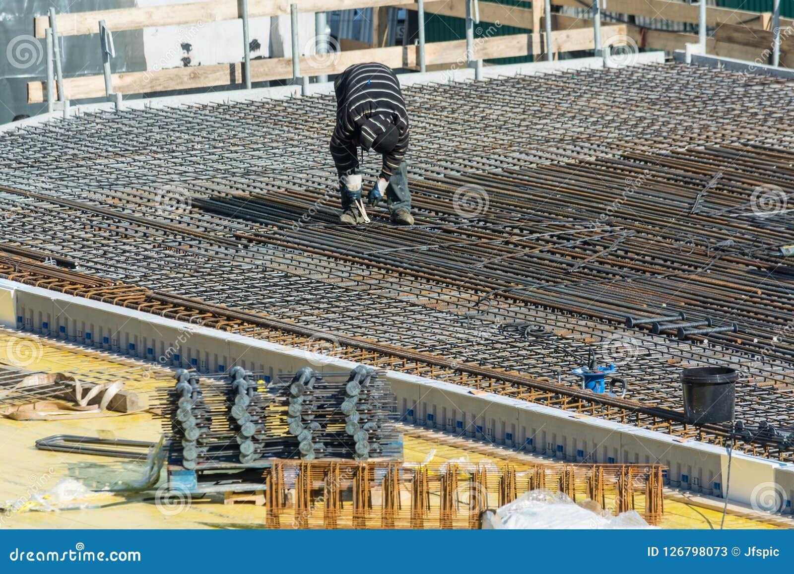 Construção de uma construção residencial e comercial em Velbert