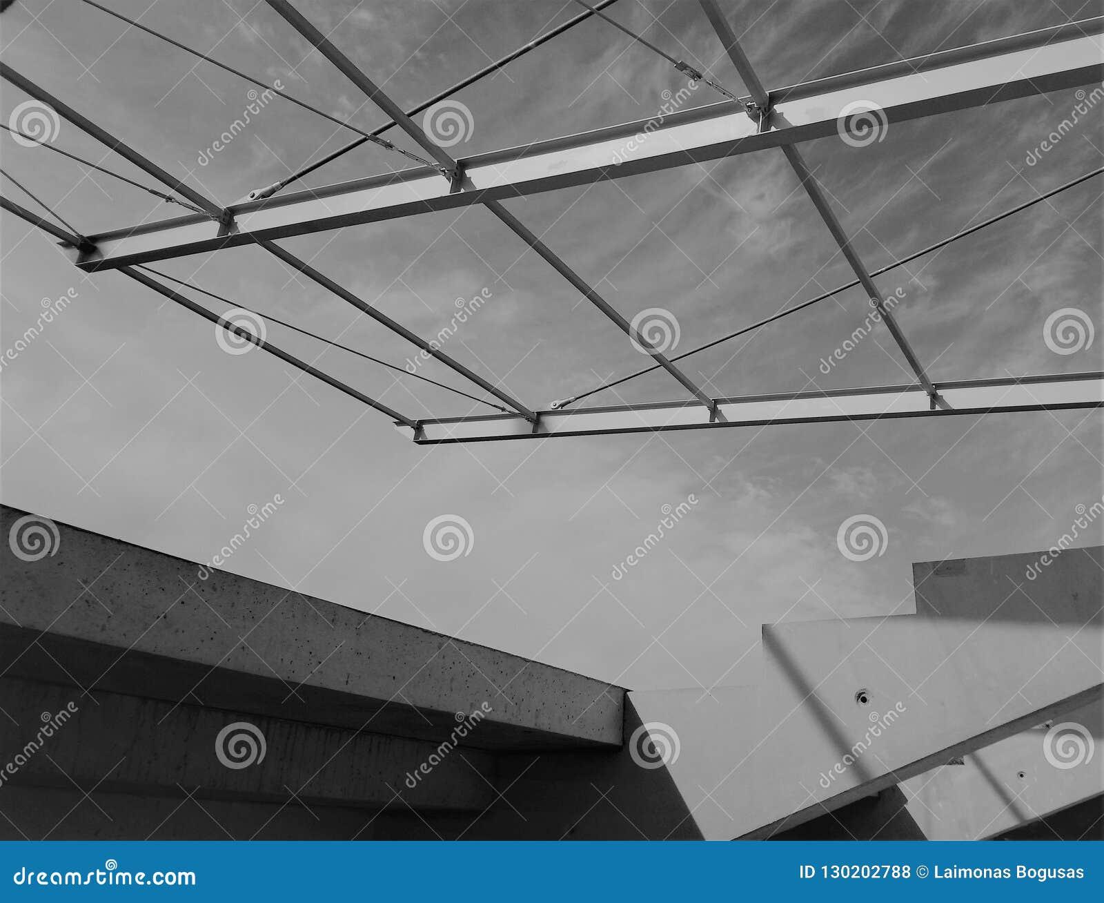 Construção do telhado do estádio