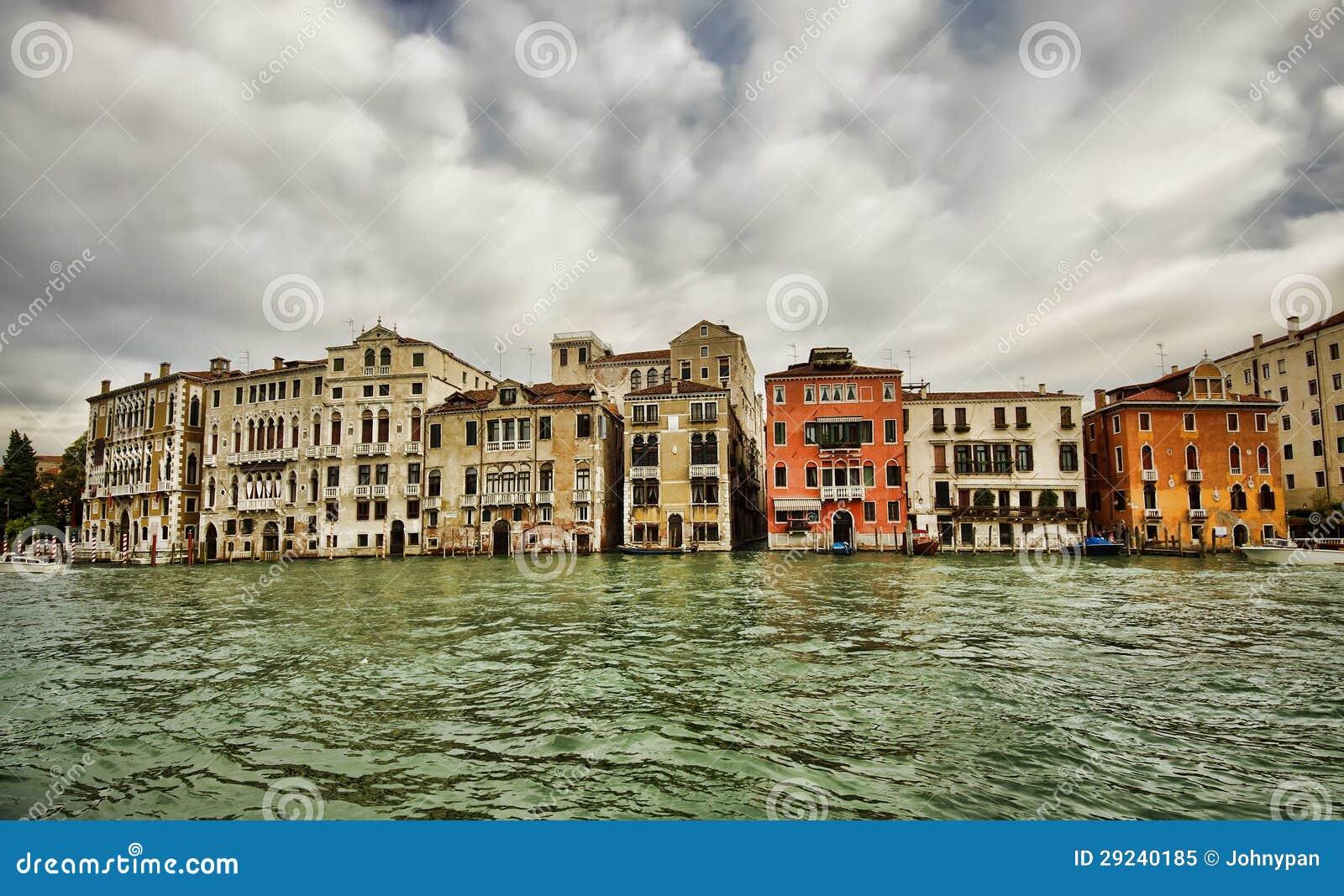 Download Construções de Veneza imagem de stock. Imagem de canaleta - 29240185