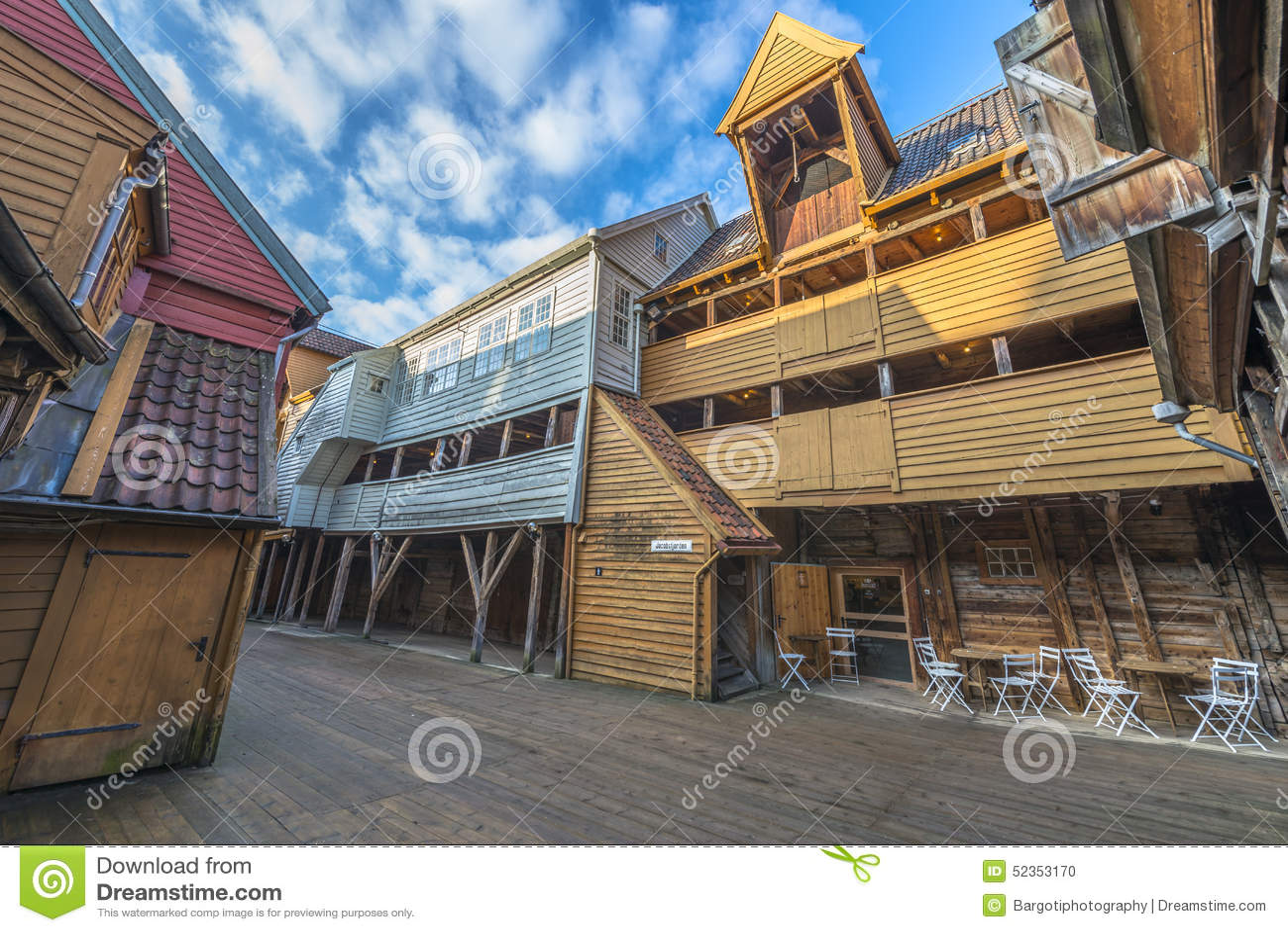 Construções históricas de Bryggen na cidade de Bergen, Noruega