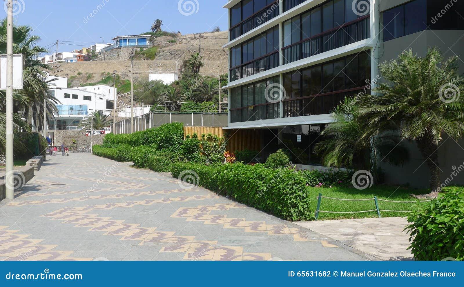 Construções modernas exteriores no Ancon