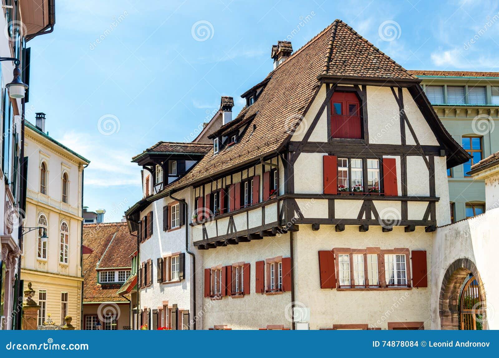 Construções no centro de cidade de Basileia