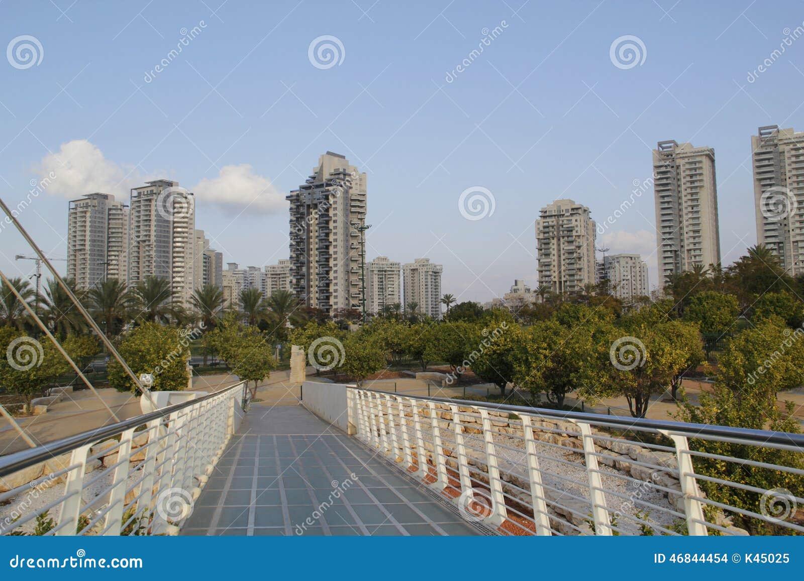 Construções residenciais do arranha-céus