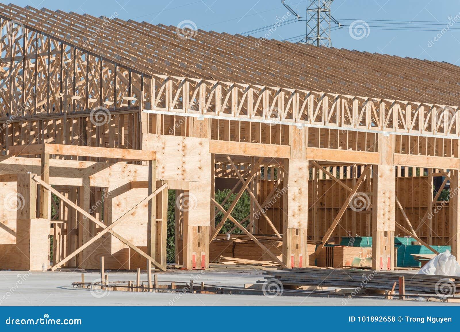 Construcción de edificios comercial de madera