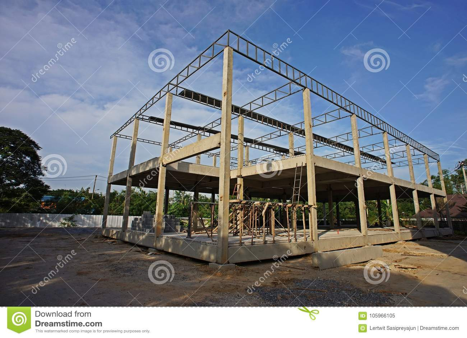 Construcción De Edificios De Dos Pisos Imagen de archivo - Imagen de ...