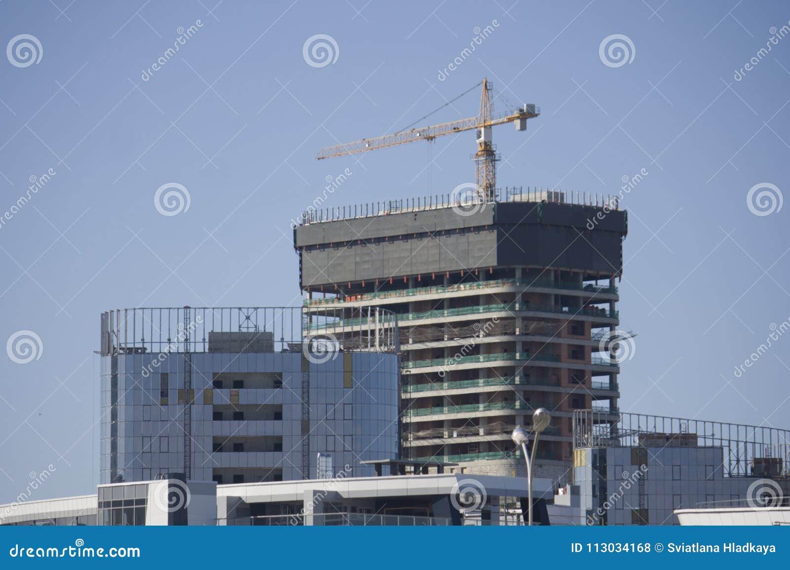 Construcción de un edificio de oficinas