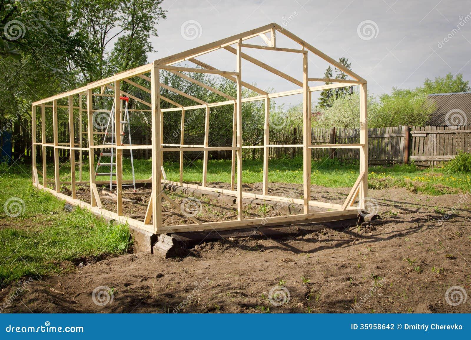 Construcción de un pequeño invernadero