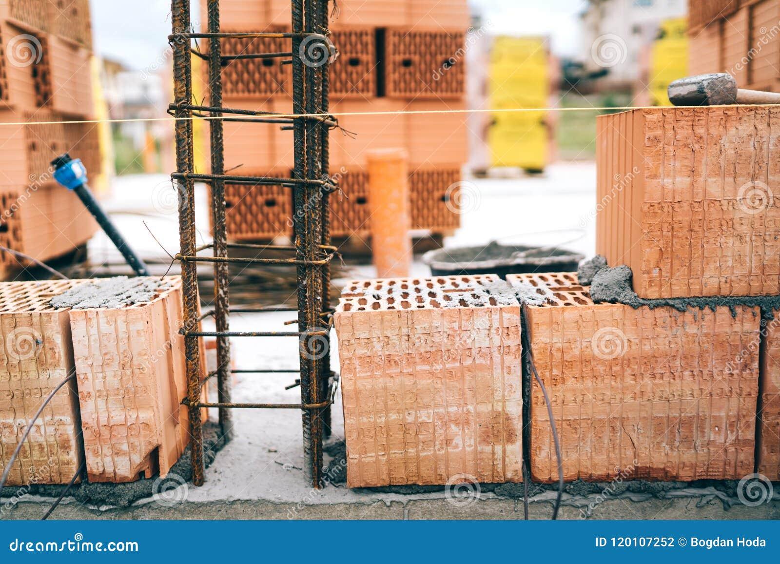 Construcci n de viviendas paredes de ladrillo e - Viviendas de acero ...