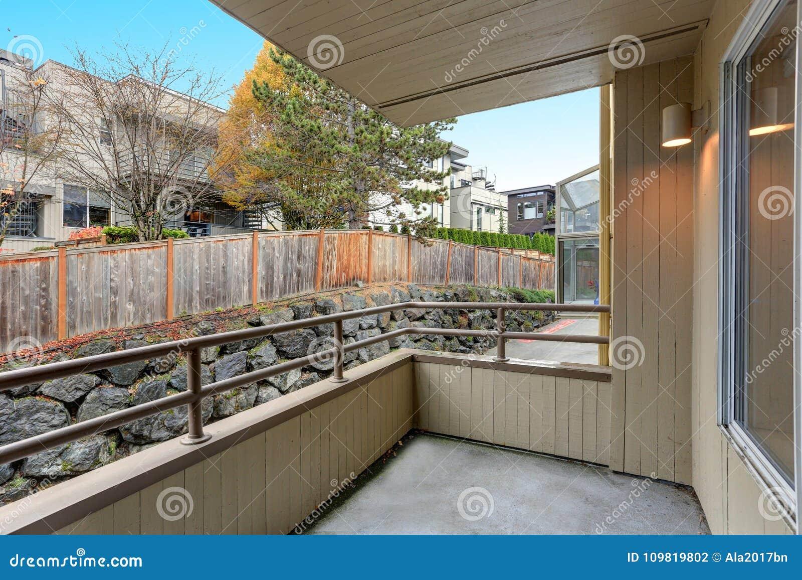 Construcción de viviendas, visión desde el balcón