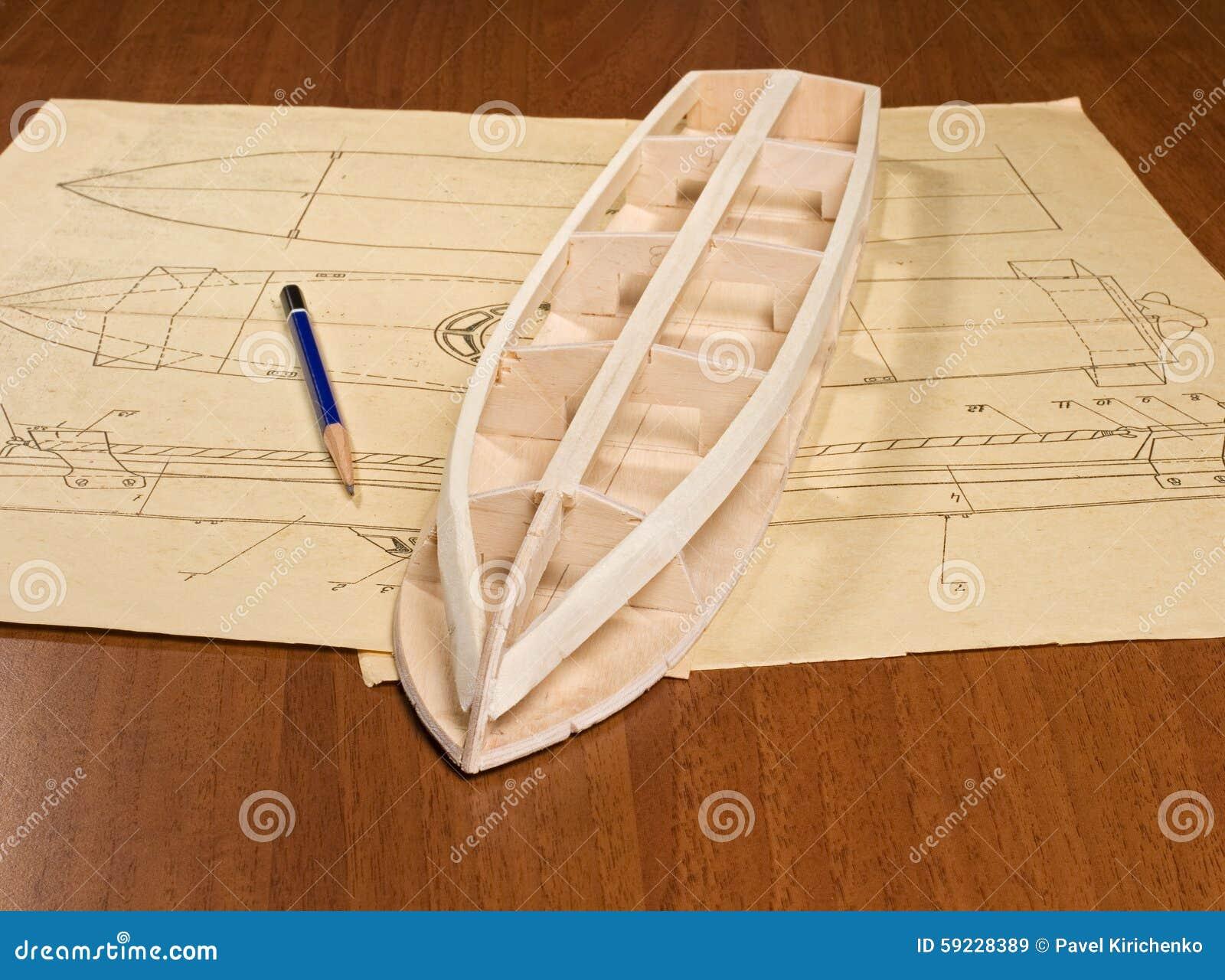 Construcción modelo de escala de la nave