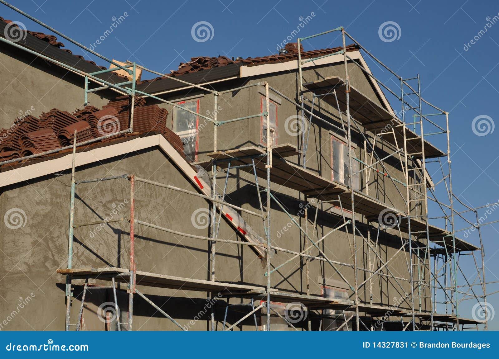 Construction la maison moderne de stuc image stock for Maison en stuc