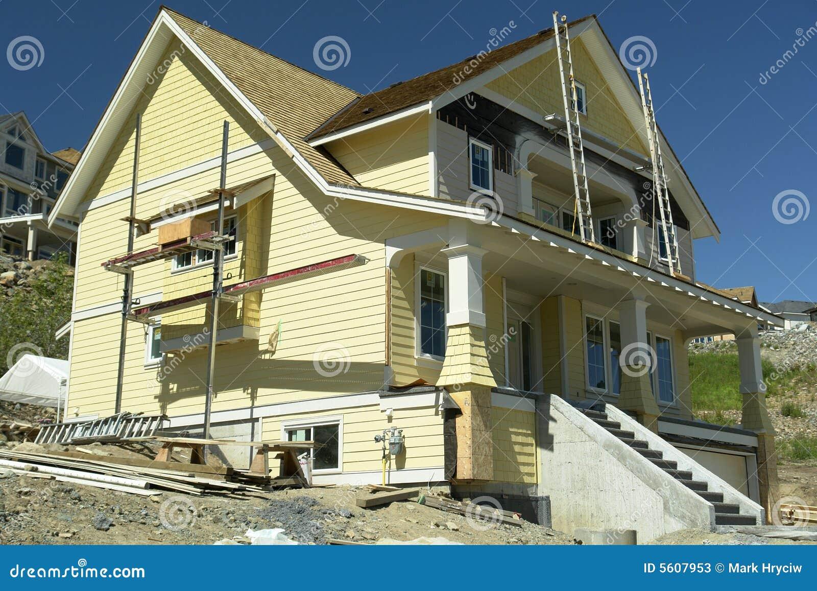 Construction à la maison neuve de Chambre