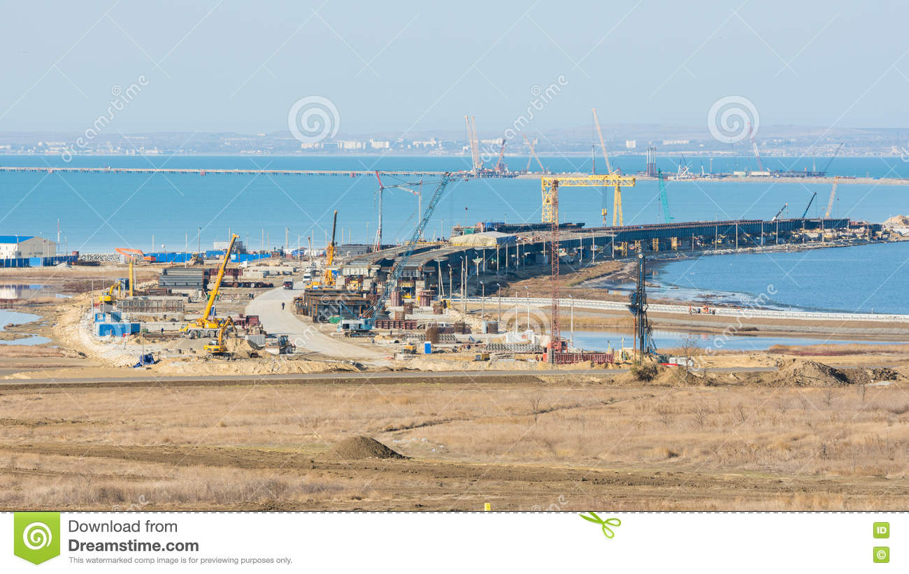 How does the construction of the Kerch bridge affect the economy of the Crimea 32