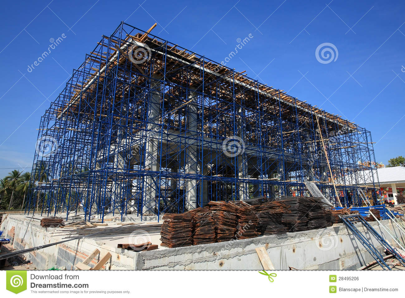 Construction building site at iron frame stage royalty for Stages in house construction