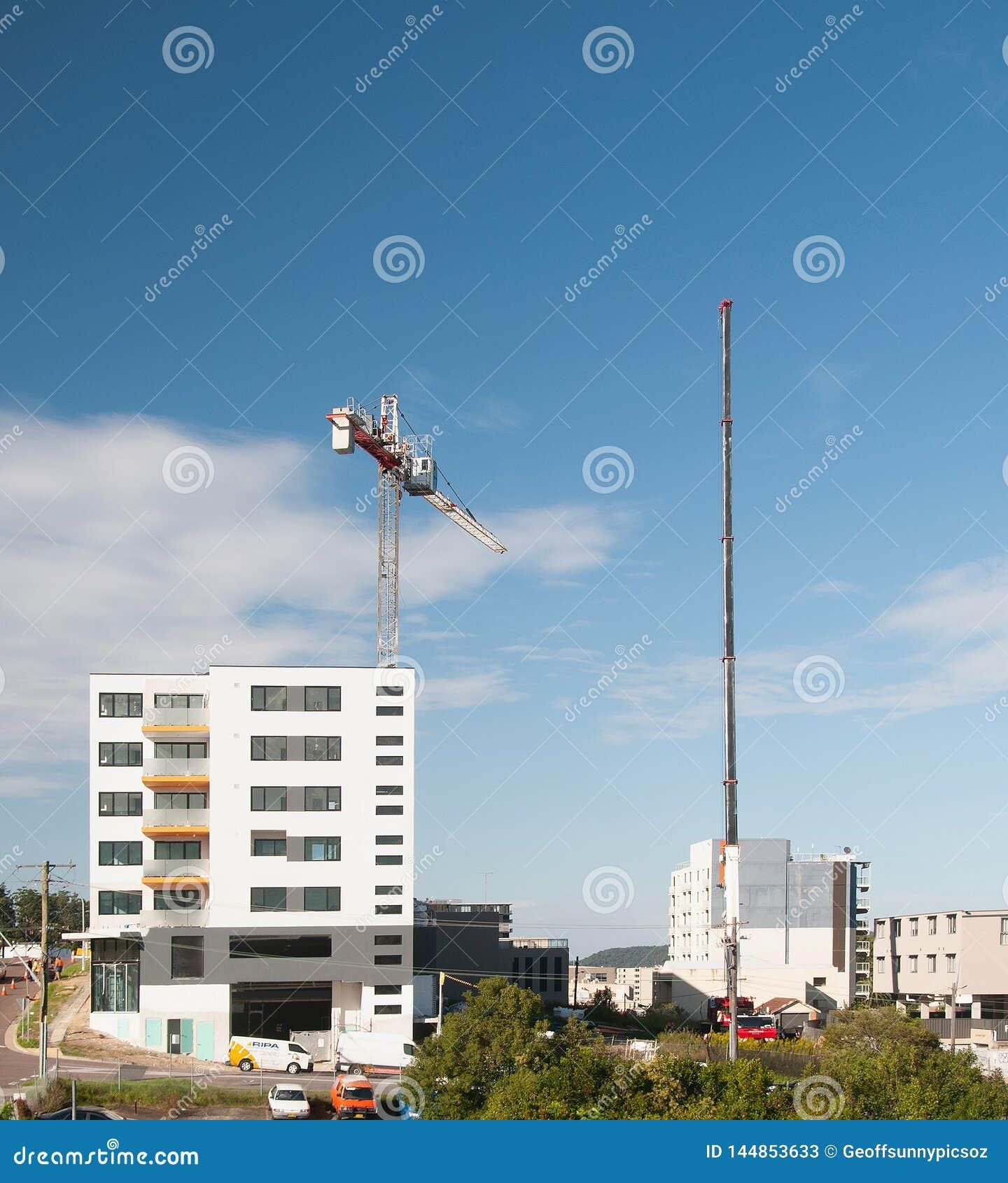 Construction crane removal. Update ed300 . Gosford. April 9, 2019