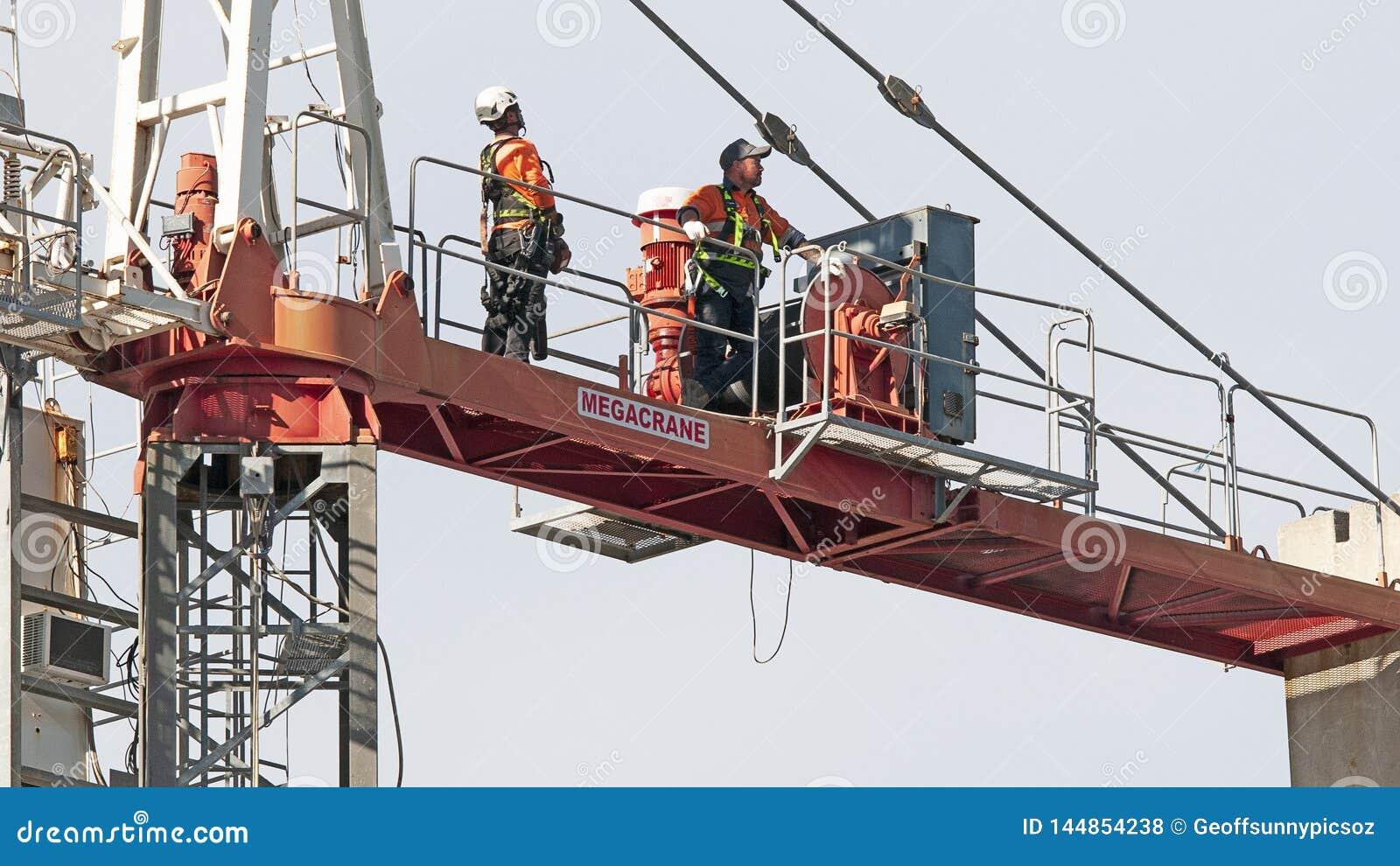 Construction crane removal. Update ed302. Gosford. April 9, 2019