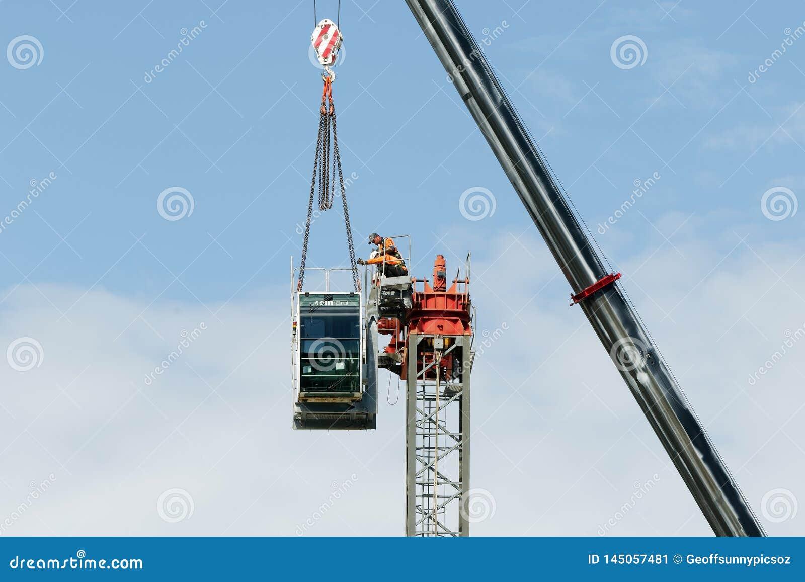 Construction crane removal. Update ed315. Gosford. April 9, 2019