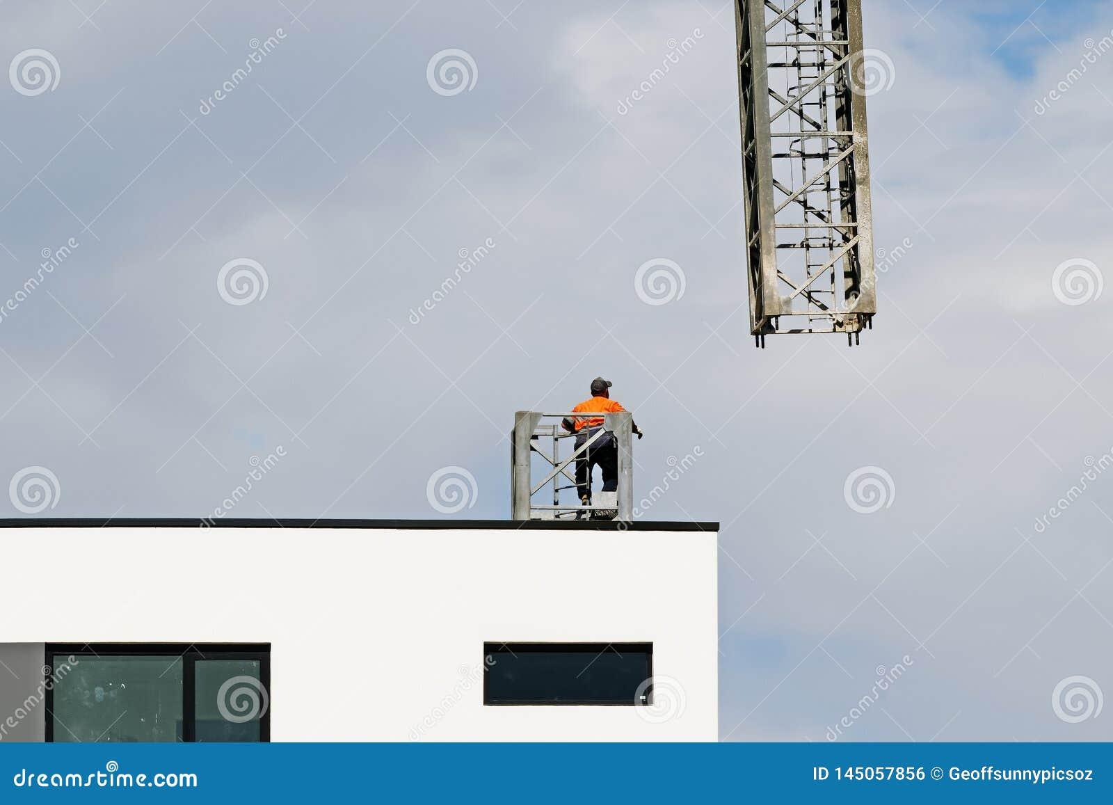 Construction crane removal. Update ed324. Gosford. April 9, 2019